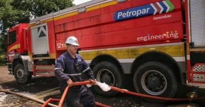 La Nación / Engineering y un logo viral: separadores de filas, camiones hidrantes y 278 adjudicaciones