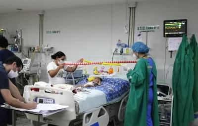 Bebé de 10 meses con AME recibe asistencia respiratoria no invasiva