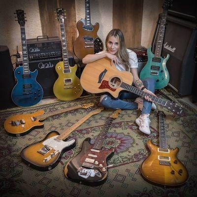 Loida Liuzzi: Girl Guitar Hero