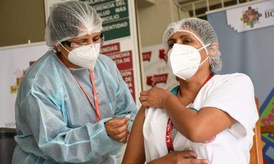 Bolivia comenzó el lento proceso de vacunación