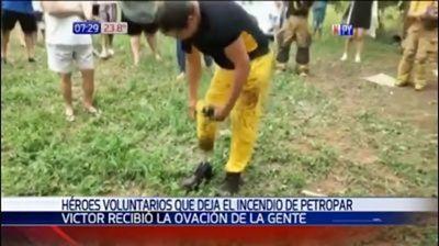 Prótesis no le impidió a bombero combatir el fuego en Petropar