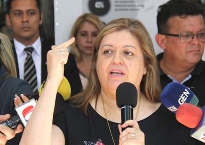 Dirigentes del PLRA impulsan juicio político contra Sandra Quiñónez