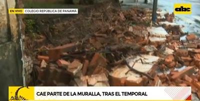 Se derrumba muralla de conocido colegio ubicado sobre Mcal. López