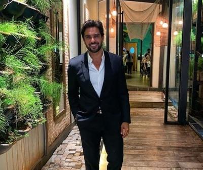 Carlos Ortellado, romántico en redes
