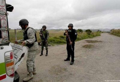 Ejército de Ecuador refuerza frontera para frenar migración venezolana
