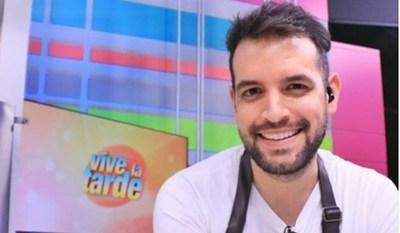 Oscar Pintos expuso sus dotes de cantante