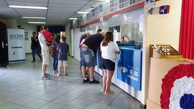 Abren investigación contra extranjero por entrar al país con pasaporte falso