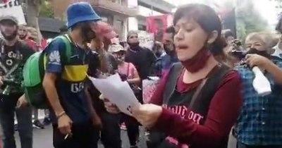 La Nación / Detienen a prófugas de la Justicia paraguaya tras ataque a la embajada en Buenos Aires