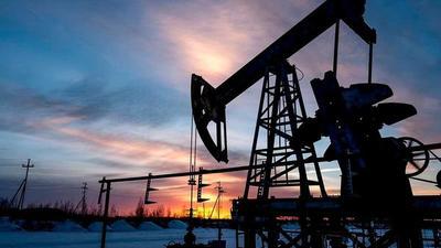 Precio del petróleo sube a niveles prepandemia por restricciones de suministro