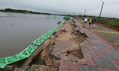 Costanera de Pilar afectada por temporal: estructura forma parte de muro antiguo que debe ser desmantelado, según Intendente