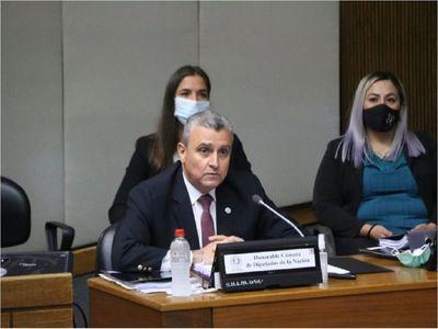 Juan Ernesto Villamayor se salva de la censura por un voto