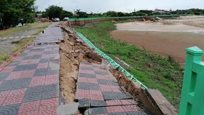 HOY / Parte de la costanera de Pilar se hundió a causa de la lluvia