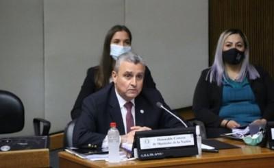 Villamayor se salva por un voto de ser censurado por Diputados