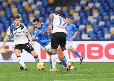 Napoli y Atalanta firman un empate en la ida por semifinales de Copa Italia
