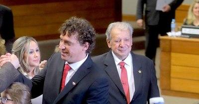 La Nación / Renuncia de Villamayor hubiera sido un golpe político muy fuerte para Abdo, afirman
