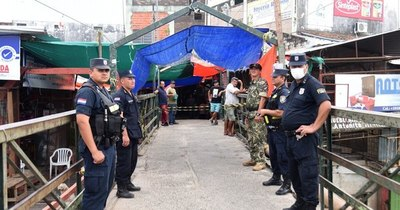 La Nación / Comerciantes fronterizos aguardan apoyo de Abdo Benítez