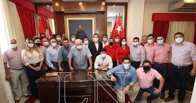 La Nación / Concordia presentó 16 precandidatos en Itapúa