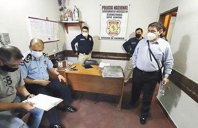 Caen tres policías por extorsión y la denunciante queda presa por estafa
