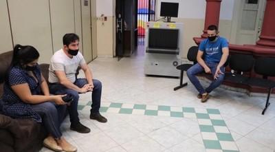 Imputan y piden prisión de policías que habrían extorsionado a pareja