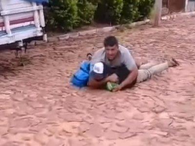 Vendedor de choclo quiso raptar a tres niños, denunciaron