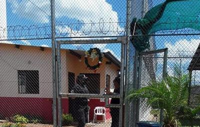 """Declaran libre de coronavirus a centro penitenciario """"Serafina Dávalos"""""""