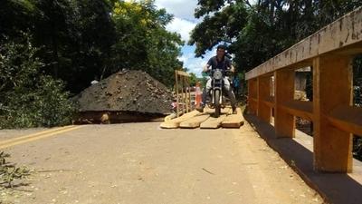 HOY / Puente que une Itacurubí – Santa Elena será reparado esta tarde, anuncian