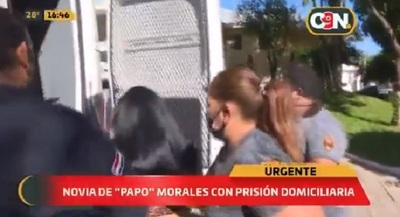 """Novia de """"Papo"""" Morales sale de prisión y cumplirá arresto domiciliario"""