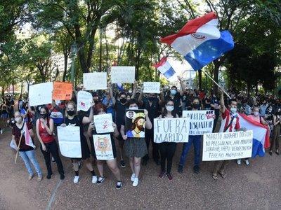 "Manifestantes dicen ""#Ko'ag̃aReikuaáta Marito"""