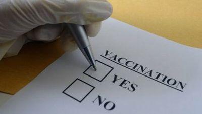 Por qué tantos trabajadores de la salud se niegan a recibir la vacuna contra el coronavirus