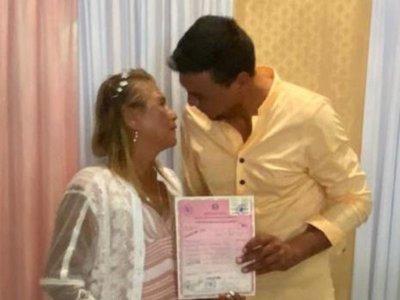 ¡Enamorados!: se casaron con casi 40 años de diferencia