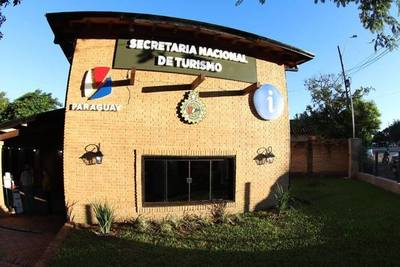 SENATUR habilitó mejoras en el Centro de Información en Villa Florida e inauguró museo en San Ignacio