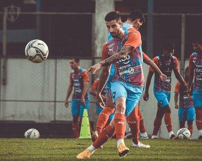 Los convocados y el probable equipo de Cerro para medir a Sol