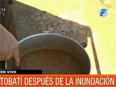 Familias damnificadas por inundaciones resisten con ollas populares