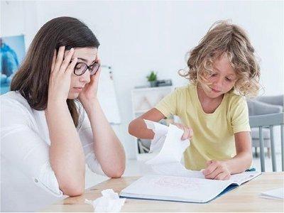 Una línea SOS para que padres se desahoguen en Países Bajos