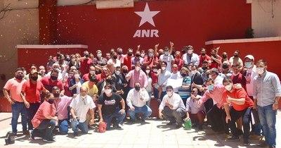 """La Nación / Internas en Asunción: movimiento de """"Nenecho"""" Rodríguez inscribió lista de concejales"""