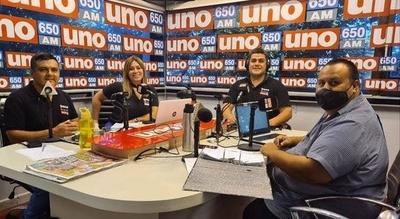 HOY / Ondina Cantero, primera comentarista en radio AM de alcance nacional