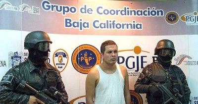 La Nación / México extradita a EEUU a presunto narcotraficante vinculado a varios carteles