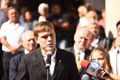 Brunetti renuncia a candidatura en Asunción y asumiría en MITIC