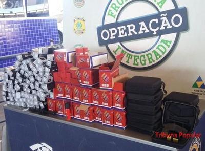 Cae TAXI PARAGUAYO con contrabando en el PUENTE