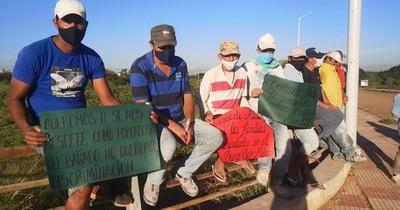 La Nación / Pobladores del Bañado Norte piden a la Municipalidad de Asunción la reparación de las calles de la zona
