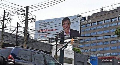A pesar de las denuncias de la Fiscal Electoral, Brunetti no estaría violando ninguna ley
