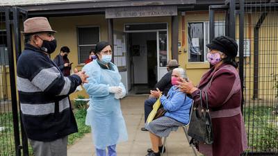 En América Latina, Chile es el país que más vacunó contra el covid