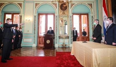 Brunetti juró hoy como nuevo ministro del Mitic