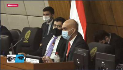 HOY / Ministro de Salud, Julio Mazzoleni, brinda un informe sobre la vacunación contra la COVID-19