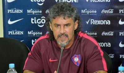 Leonel Álvarez: «Queremos llevar a Cerro a lo más alto»