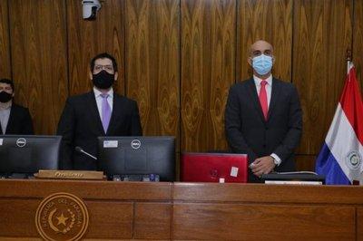 Mazzoleni siembra incertidumbre sobre el arribo de vacunas anti-Covid al país