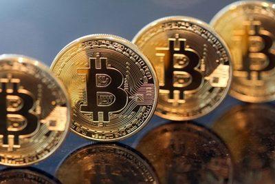 Bitcoin se dispara a cerca de US$ 50.000 después que Tesla lo puso en el foco del mercado