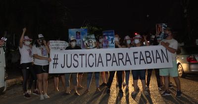 Cuestionan el arresto domiciliario de la pareja del Papo Morales