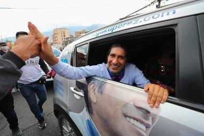Pérez mantiene ventaja de 12.159 votos sobre Lasso en Ecuador