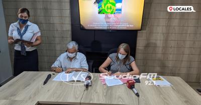 Convenio entre UNAE y Cooperativa del Sur otorga beneficios y descuentos a padres y estudiantes